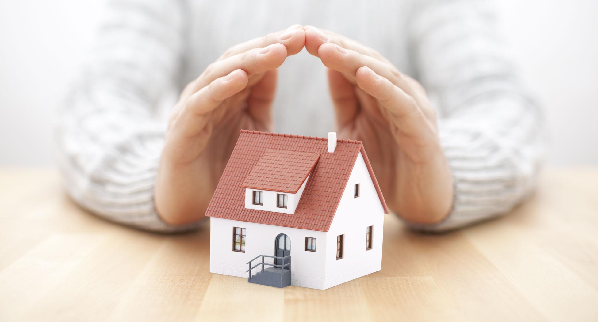 petite maison mains coup de pouce isolation